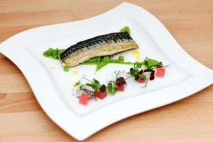 Mackerel with Gooseberry Jelly and Fresh Pea Salad