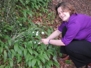 Me picking the wild garlic